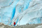 Girl near Nigardsbreen glacier (Norway) — Stock Photo