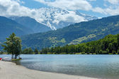 Lake Passy and Mont Blanc mountain massif summer view. — Stock Photo