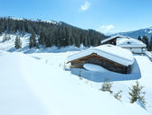 Winter sunny mountain and wood house — Foto Stock