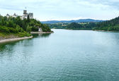 Niedzica Castle (or Dunajec Castle) summer view (Poland). — Stock Photo