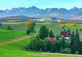 Summer morning mountain village view (Poland) — Stockfoto