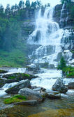 Summer Tvindefossen waterfalls (Norway) — Foto Stock