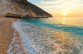 Sunset on Myrtos Beach (Greece,  Kefalonia, Ionian Sea). — Stock Photo