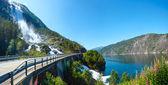 Zomer langfossen waterval (noorwegen). — Stockfoto