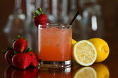 Strawberry lemonade — Stock Photo