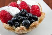 Fresh berry tart — Stock Photo