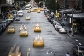 New York City yellow taxi street scene — ストック写真