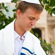 Young Jewish man does  prayers . — Stock Photo