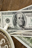 Close up, Time and Money on wood table — Stock Photo