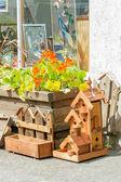 Artigianato esposti per la vendita al mercato dell'agricoltore locale — Foto Stock