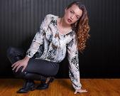 Attraktiva kurviga ung kvinna魅力的な曲線美の若い女性 — ストック写真