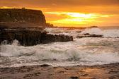 Beautiful landscape of rock and sea in sunrise time at Waikawa bay, South Island, New Zealand — Stock Photo