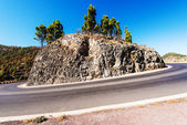 Meandering path around a cliff in Tenerife — Stock Photo