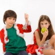 A girl and a boy announces fruit lunch — Stock Photo