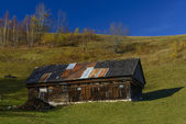 Old house located on the top of the Carpathian Mountains — Stock Photo