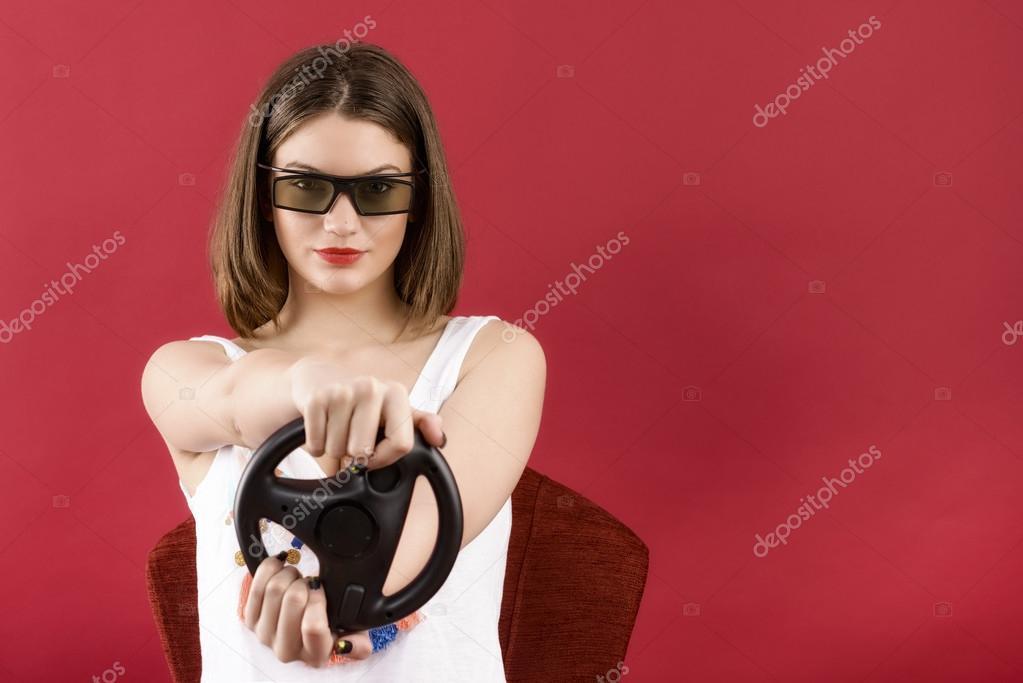 Девушка в красном видео фото 450-990