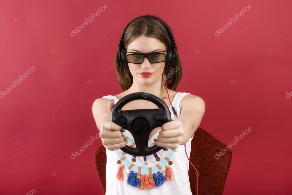 Девушка в красном видео фото 450-555