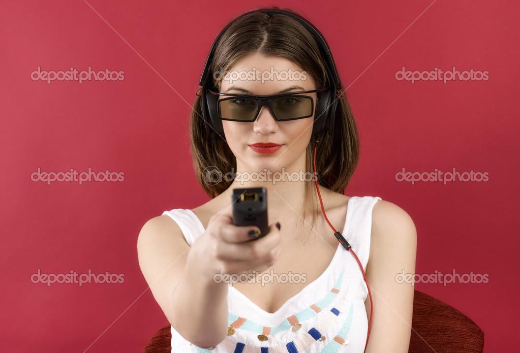Девушка в красном видео фото 450-724