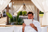 Business man in sea holiday — Stock Photo