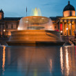 London  2012, Trafalgar square fountains at nighttime — Foto Stock