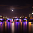 London  2012, floodlit bridges, Olympic rings on the Tower bridg — Stock Photo