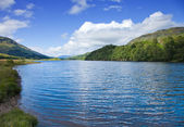 Scottish summer landscape with lake — Stock Photo