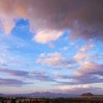 zachód słońca chmury oświetlone w corralejo — Zdjęcie stockowe