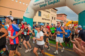 CORRALEJO - NOVEMBER 03: Runners start the race at Fourth intern — Stockfoto