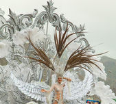 SANTA CRUZ, SPAIN - February 12: The carnival queen greets the v — Stock Photo