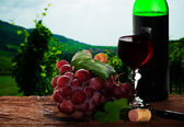 Grape and wine — Stock Photo