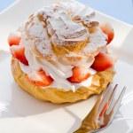 Cream puff — Stock Photo #18963543