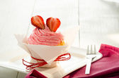 Strawberry cupcake — Stock Photo
