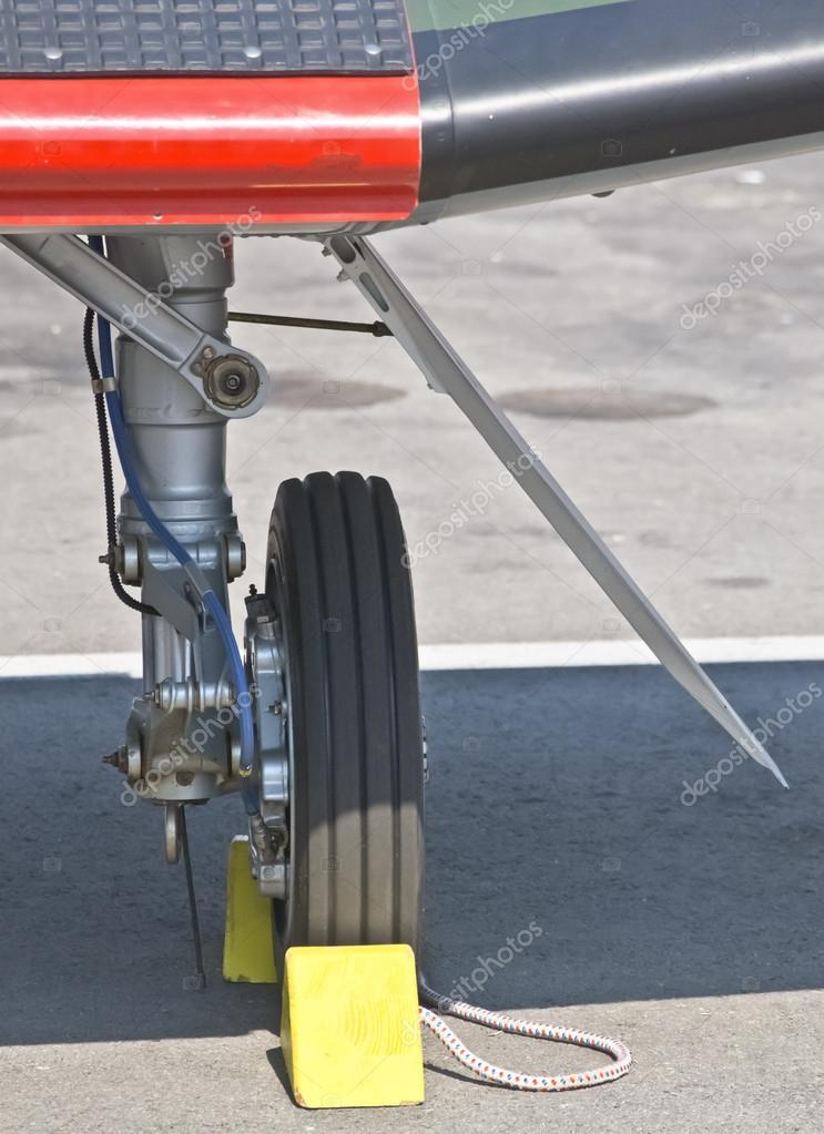 Front landing gear light aircraft — Stock Photo #12582608