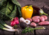 Fresh Organic Vegetable on wood — Stockfoto