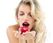 Mulher com maçã — Fotografia Stock