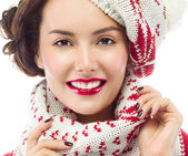 Smiling woman in warm clothing — 图库照片