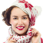 Smiling woman in warm clothing — Stockfoto
