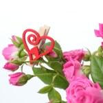 Studio photo of romantic heart symbol with roses — Stock Photo
