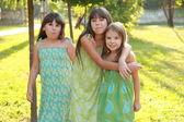 Три очаровательные девушки — Стоковое фото