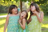 Tři okouzlující mladá dívka — Stock fotografie