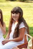 Drôle souriante petite fille — Photo