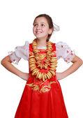 Flicka klädd i traditionell rysk dräkt — Stockfoto