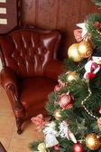 Sala de estar com uma árvore de Natal — Fotografia Stock