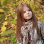 Girl in autumn time — Stock Photo #35944629