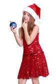 Bambina tenendo palla di Natale — Foto Stock