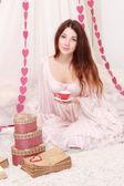девушка с чайный набор — Стоковое фото