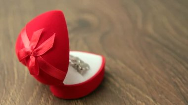Heart symbol ring box — Stock Video