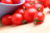Cherry tomatoes in bowl — Stok fotoğraf