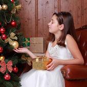 クリスマスの女の子 — ストック写真