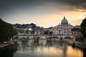 Panoramic view of St. Peter's Basilica and the Vatican City — 图库照片